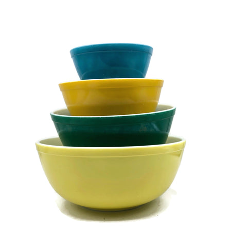 Vintage Pyrex Nesting Mixing Bowls