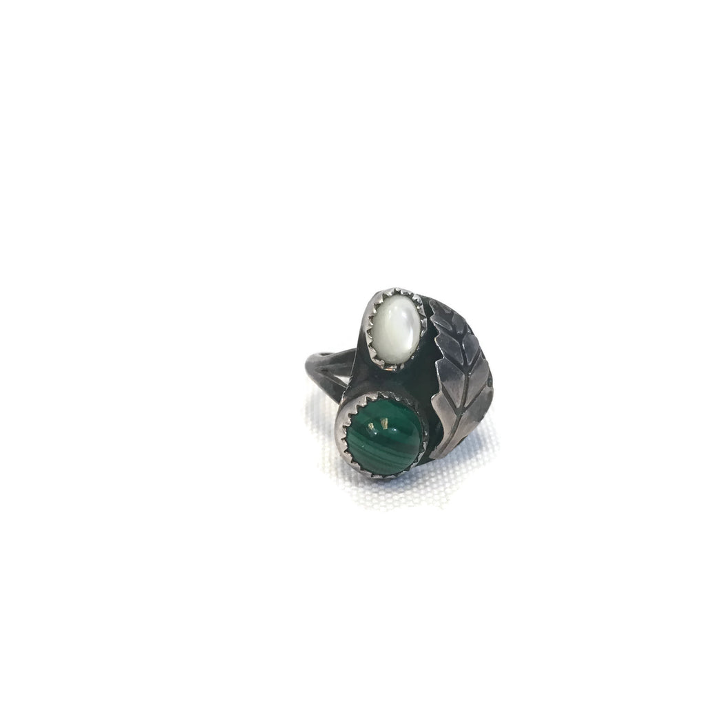 Vintage Sterling Silver Malachite & Mother Of Pearl Ring Size 4.75