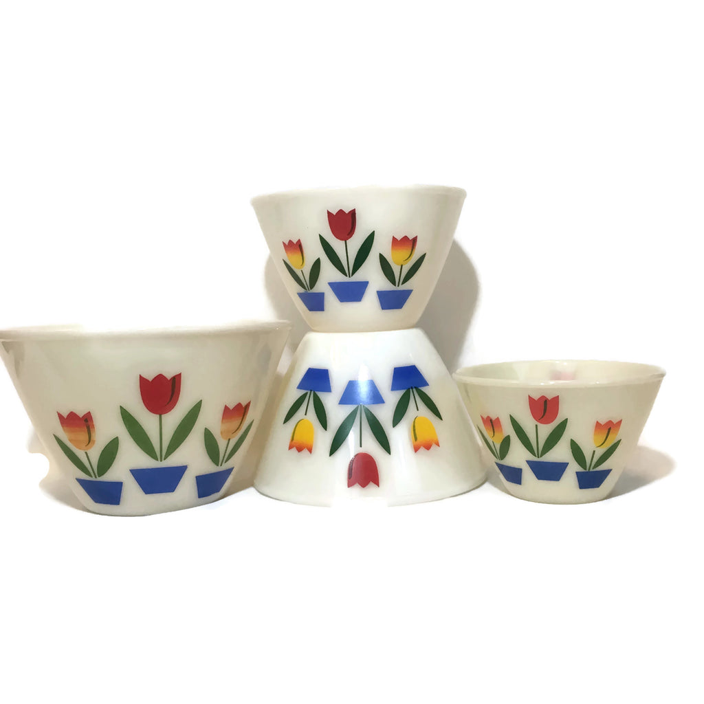 Set Of Four Vintage Fire King Tulip Nesting Bowls