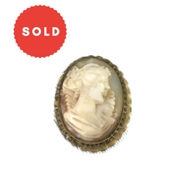Vintage Gold Tone Cameo Brooch/ Pendant
