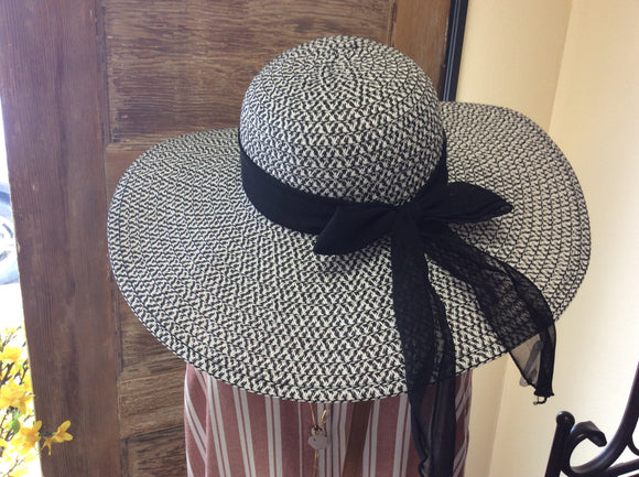 Black and White Floppy Hat with Bow by Ethel&Myrtle