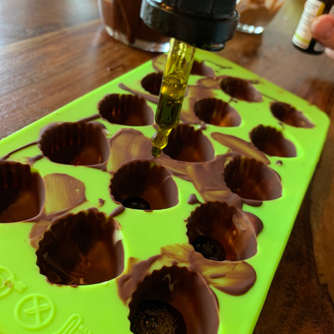 Hempamed recipe: Drip CBD oil into moulds
