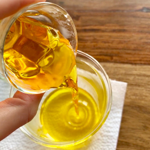 Hempamed recipe: Molten beeswax is poured into a container