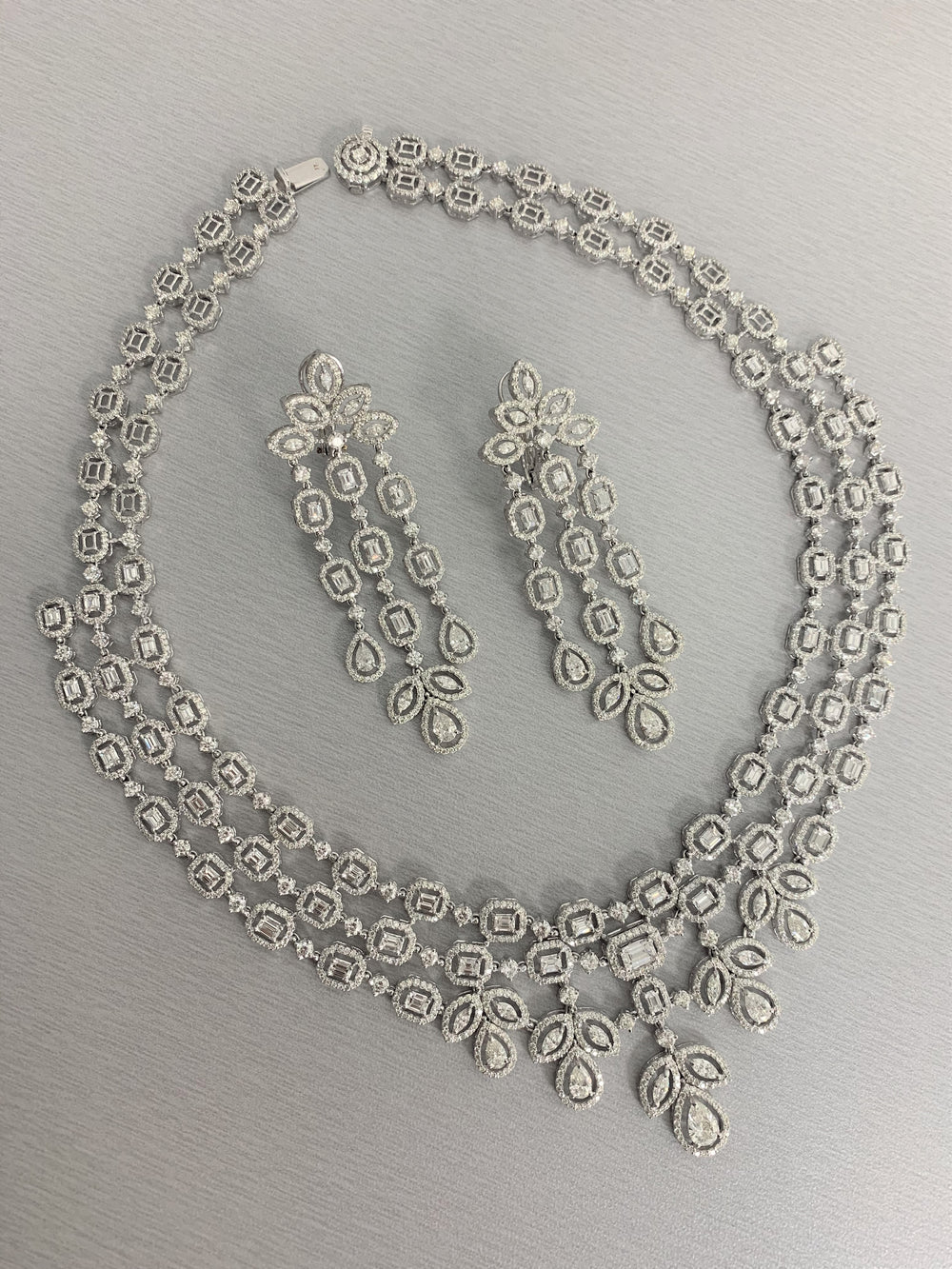 Legacy Diamond Suite (32 ct Diamonds) in White Gold