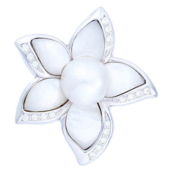 White Lilly Pendant (0.22 ct)