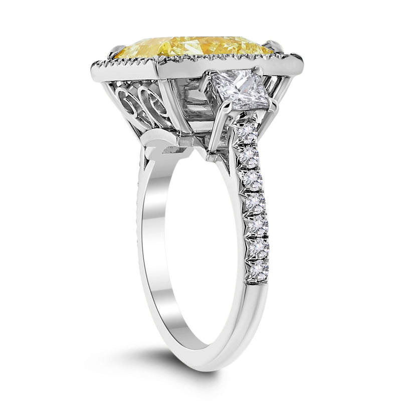 Sundance Engagement Ring (7.02 ct Princess Cut Fancy Light Yellow VS2 Diamond)