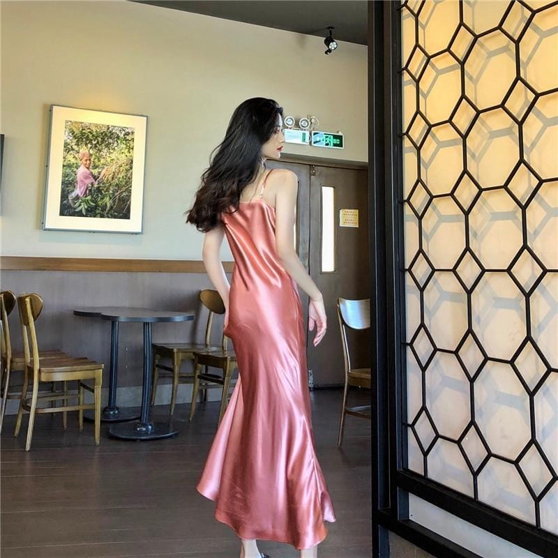 Robe longue satin dos nu Robe Sentence Love