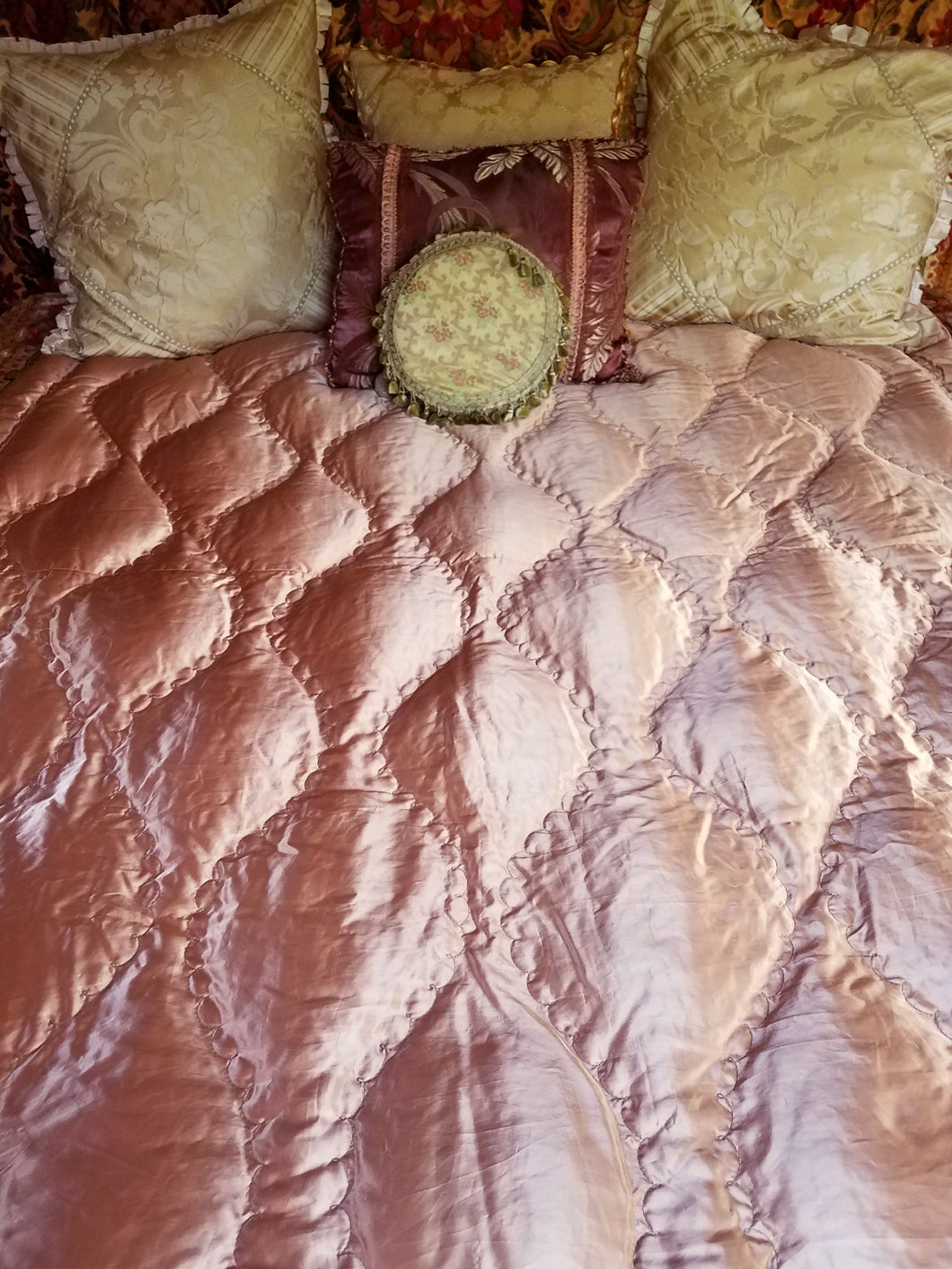 Vintage Satin Quilt or Throw, Down-Filled, Reversible, 1920s - 1940s, Excellent Condition 66