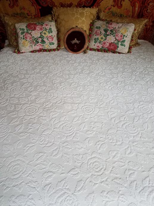 White Chenille Bedspread, Hobnail Rose Pattern with Pom Poms, 102