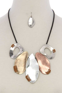 Organic shape short necklace [chicberri]