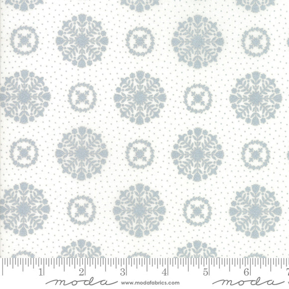 Vintage Holiday Metallic Silver Snowflakes by Bonnie & Camille Moda 55166 18M - PRICE PER 1/2 YARD