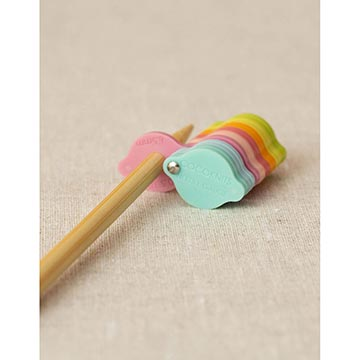 cocoknits needle gauge with knitting needles