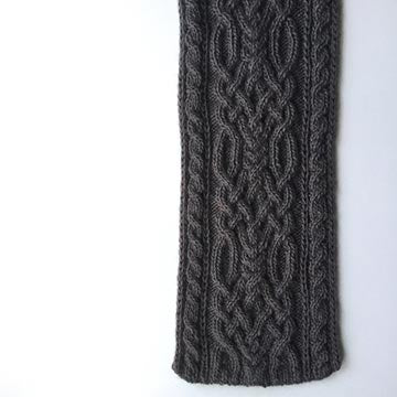Frosted Ylang Cable Knit Scarf Kit