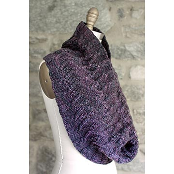 image of cabled cowl