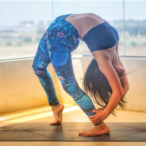 night eyes legging yoga model pose