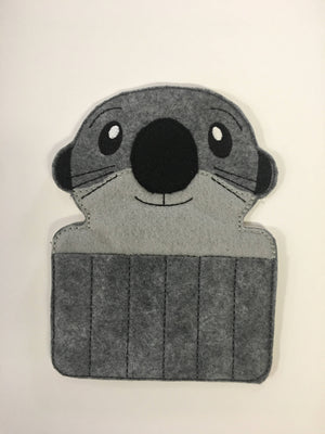 Otter Crayon Holder - 805 Masks