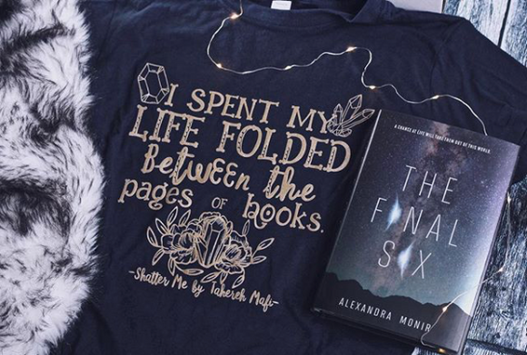 Shatter Me Inspired: Between the Pages Tee