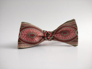 Medallion Stripe Bowtie