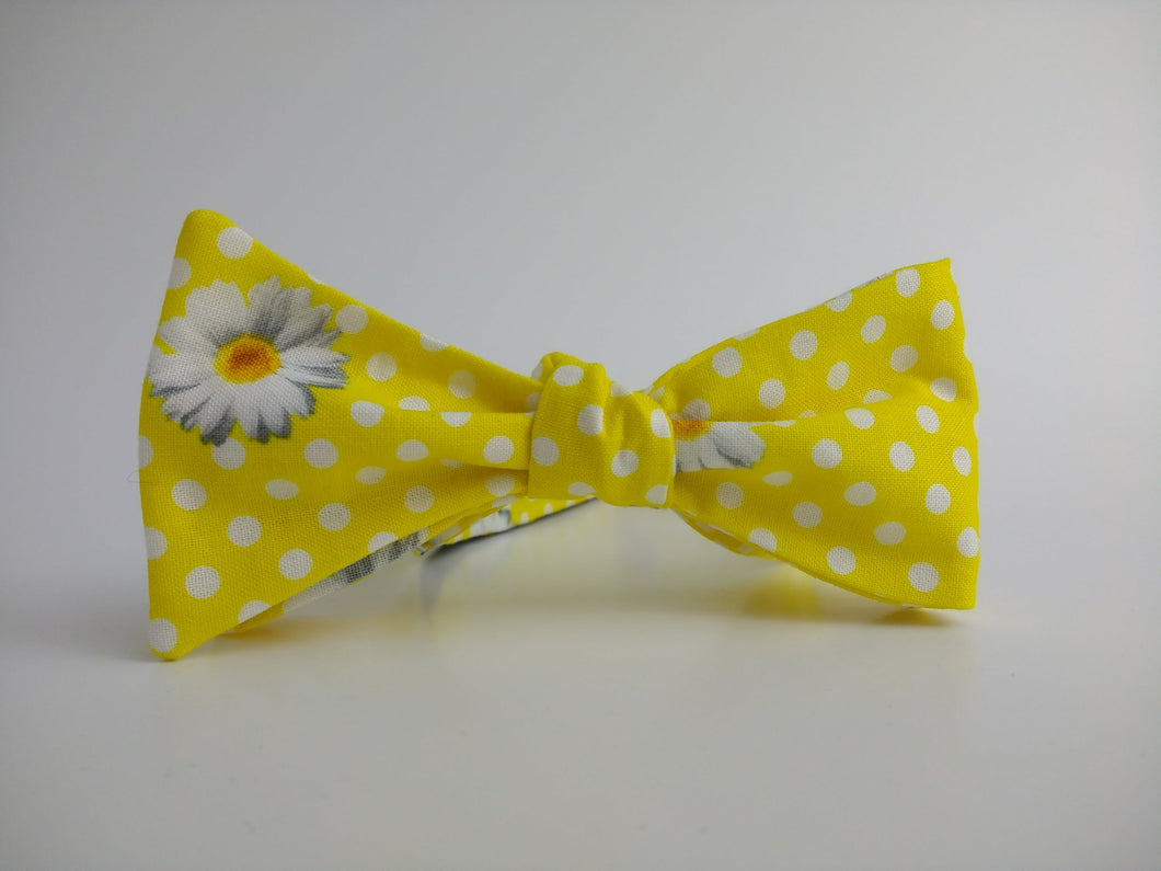 Oops A Daisy Bowtie