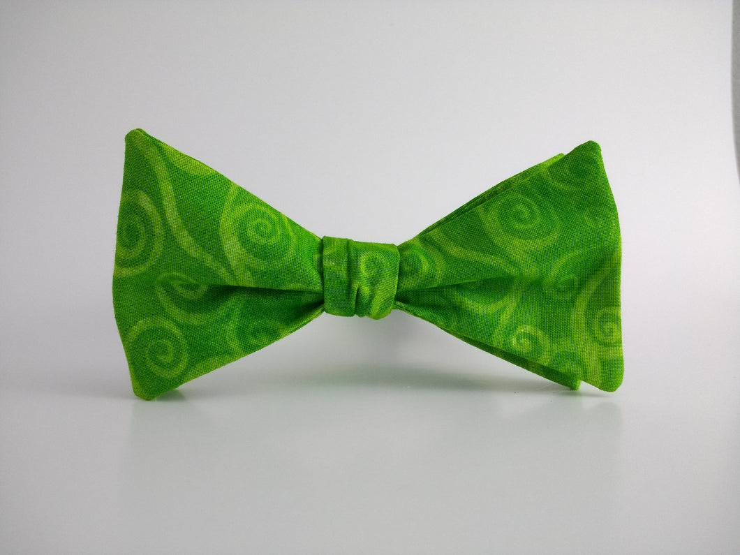 Swirly Scroll Green Bowtie