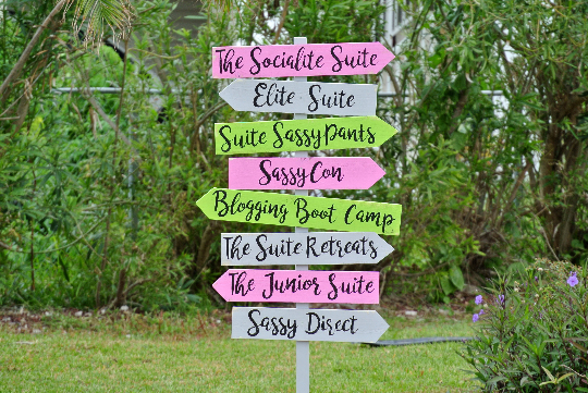Guest House Sign, Arrow Wood Sign for home decor, Guest house/Hotel direction arrows.-iDecor4you