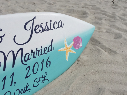 Hibiscus Just Married Sign, Hawaiian Wedding, Wooden Surfboard sign, Tropical beach Decor-iDecor4you