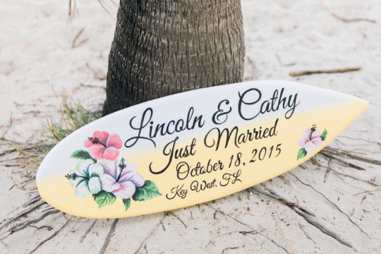 Hibiscus Wedding Surfboard Sign, Unique Beach Wedding Decor, Just Married Floral Wood Sign-iDecor4you