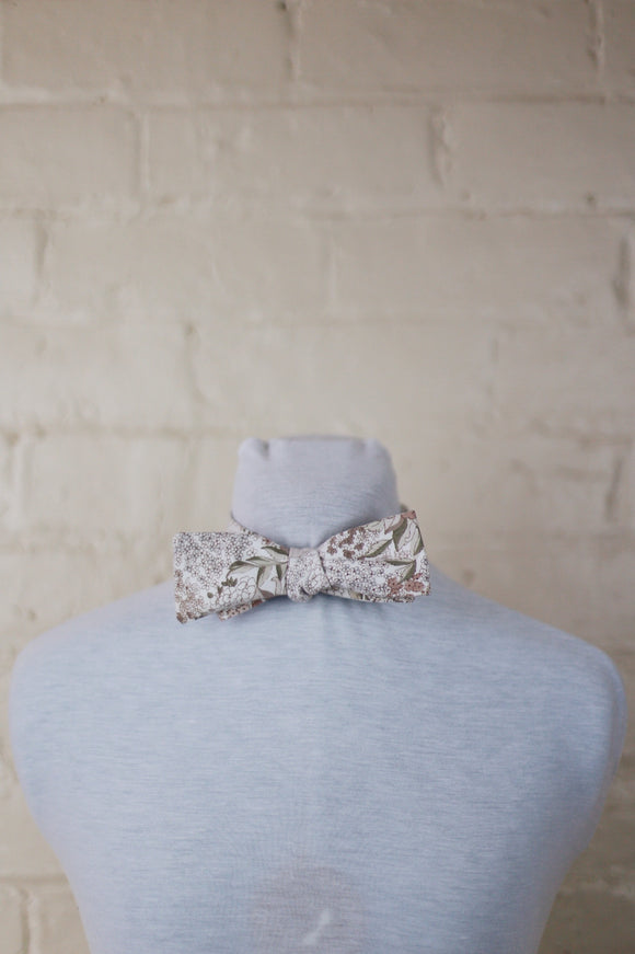 Bow Tie - Tiny Floral