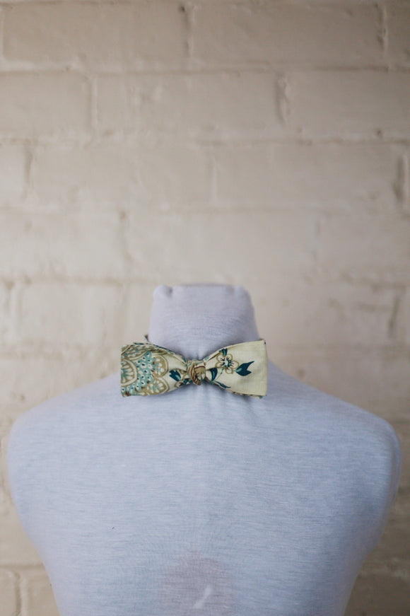 Bow Tie - Turquoise Floral