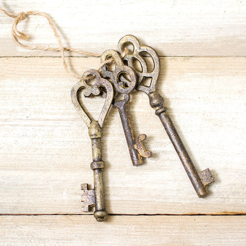 Antique-Inspired Skeleton Keys, Metal Props, 4-6 inch, Brown, Set of 3