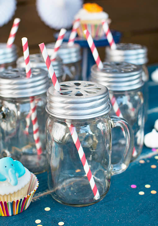 Mason Jar Drinking Mugs with Lids & Party Straws, Red, Set of 24