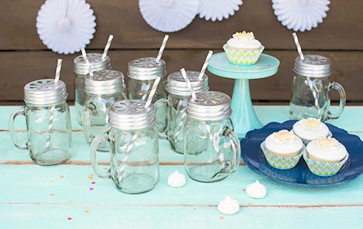 Host your gathering with ease, calling upon festive table ware to set your table! Lidded mason jars with straws to coordinate with your party theme pair extraordinarily well with our melamine plates and dessert stands, sold separately.
