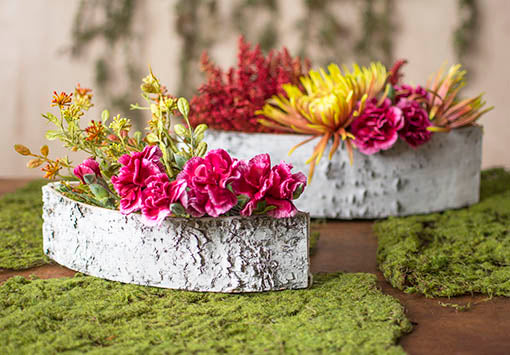 Add floral arrangements, sprigs and sprays to these planters for a fresh centerpiece in spring weddings and events! Add our moss mats to expand the centerpiece.