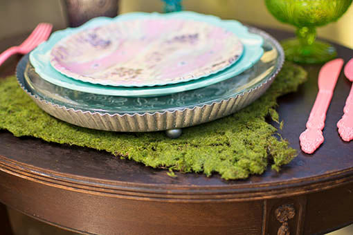 This tart tin-inspired tray is the perfect size for many plates and dishes ... an excellent charger for an industrial or rustic event!