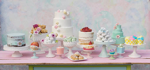 Find the perfect match for your table design with our cake and candy displays!