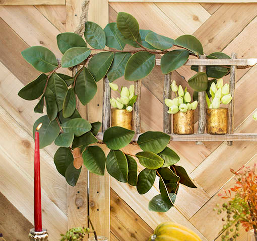 Pair this garland with our natural wood decor, such as our wooden ladder, and finish it with our mercury glass vases and artificial tulips!