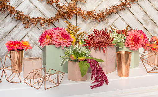 Mix and match our copper candle holder with a variety of our geometric decor for a modern tablescape.
