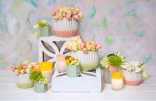 Decorate the table in modern spring decor with our ceramic planter pots, hexagonal vases and semitranslucent candle holders! Finish the centerpiece with decorative tulips, hydrangeas and calla lilies to complete your garden wedding design.