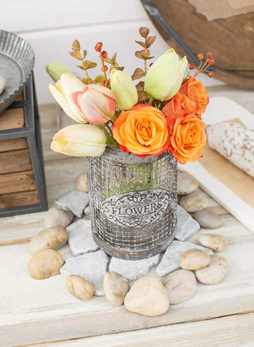 Pair this set with our gray slate table scatter to complement metal wire vases filled with tulips and sprigs.