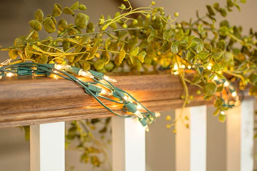 Weave this strand with one of our decorative green garlands for a fresh design in your home or event.