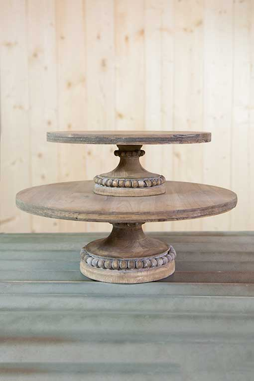 Place our 12 inch wooden cake stand on top of this platform for a complete set at your wedding.