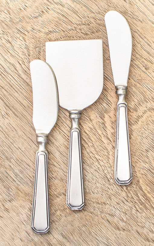 These 6.25 inch tall utensils have identical vintage inspired handles that are versatile among any style.