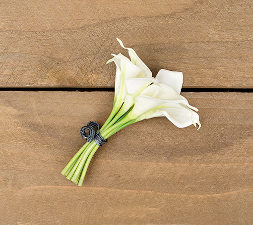 Calla Lilies, 9 Bloom Bouquet, Realistic Flowers, 6 inch, White