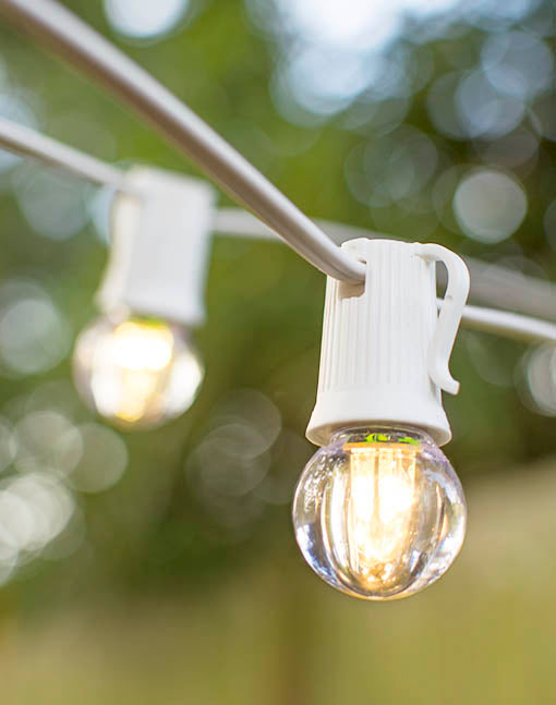 Take the strand outdoors in your summer reception for romantic lighting, or illuminate your café with these brilliant bulbs.