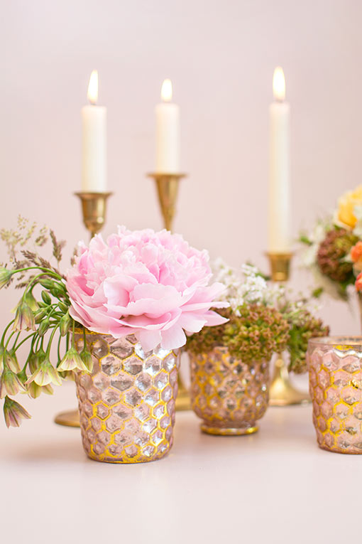 Fill these bud vases with your favorite florals for an elegant design in your wedding centerpieces.
