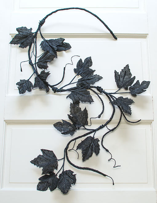 This artificial branch is 4.5 feet long and effortlessly curves and bends into any shape for easy decorating.