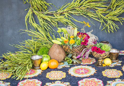 Complete your tropical party tables with pineapple pattern mercury glass compotes and candle holders.
