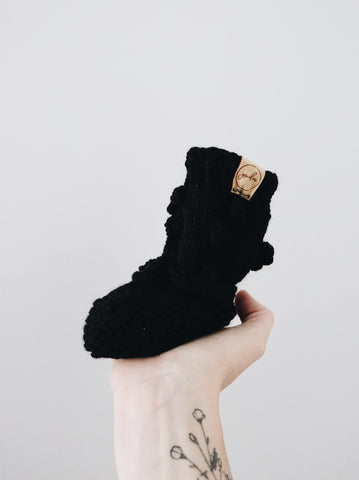 Knit Bobble Booties // Black // 0-6m // RTS
