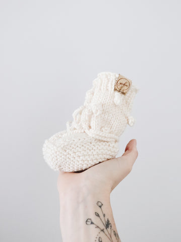 Knit Bobble Booties // Cream // Baby