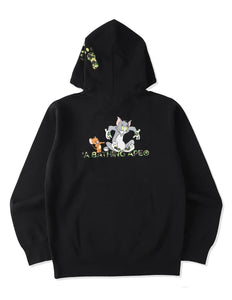 BAPE X TOM AND JERRY FOOTPRINTS PULLOVER HOODIE.  13/MAR - BAPEPLUGTO